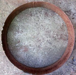Rusted Heavy Circle Base with edge